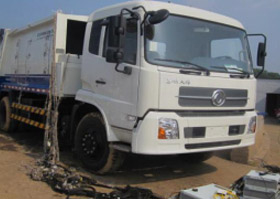 Zoomlion environmental protection vehicle garbage compression device structural performance test